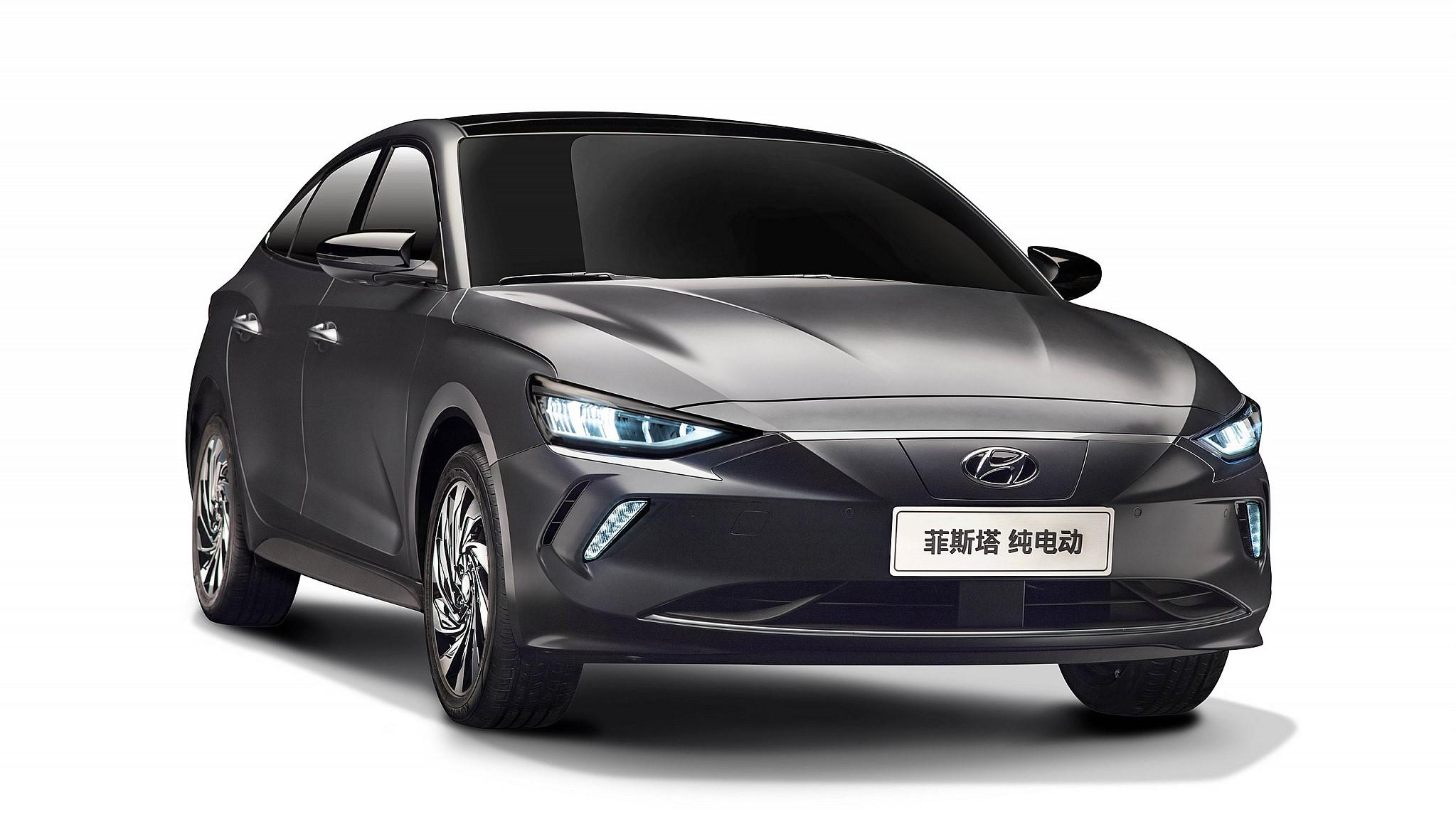 Hyundai Elantra sắp ra mắt bản EV chạy điện: Chạy liên tục 490 km không cần sạc