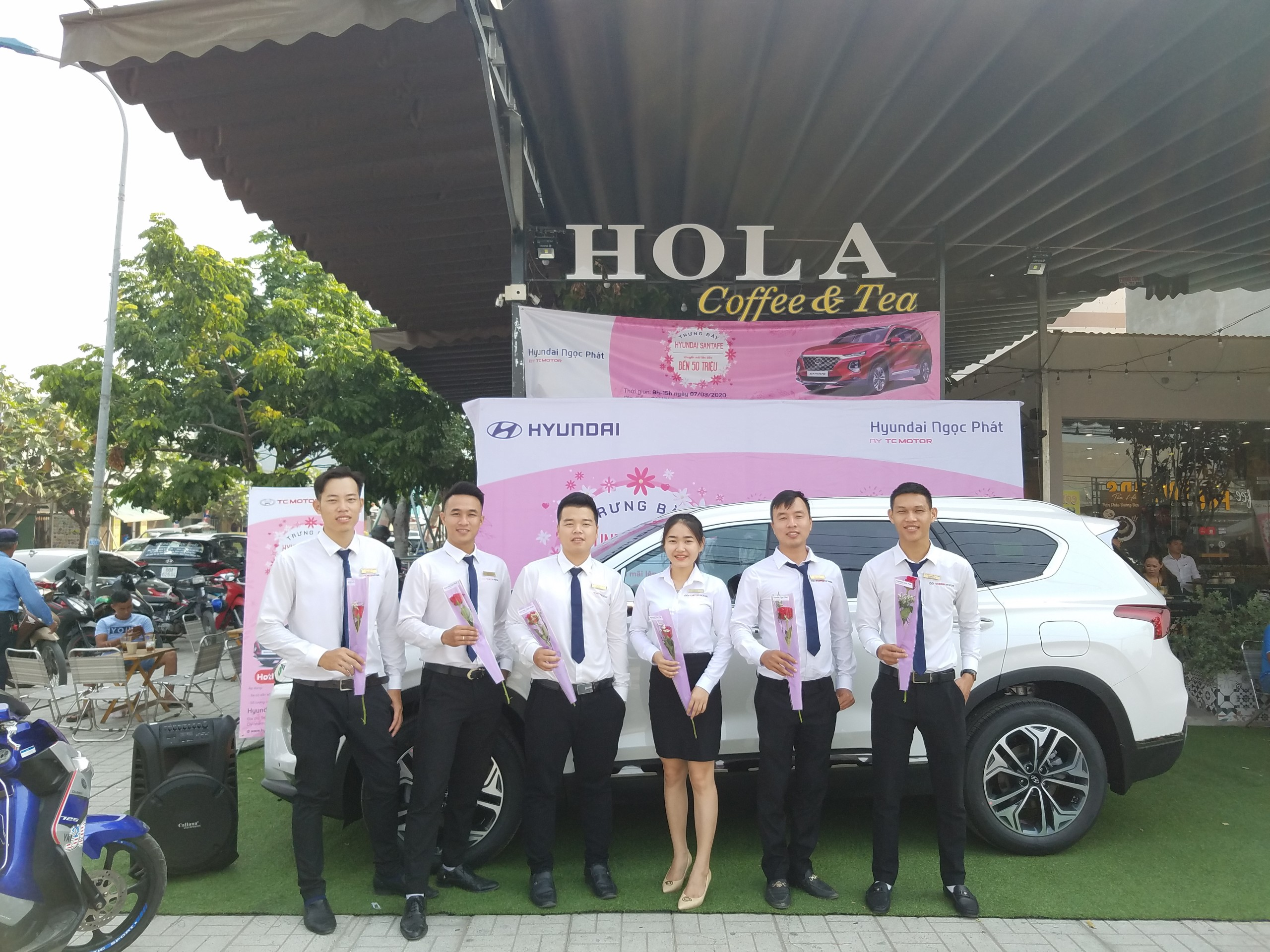 Chương trình trưng bày xe tại HOLA COFFEE